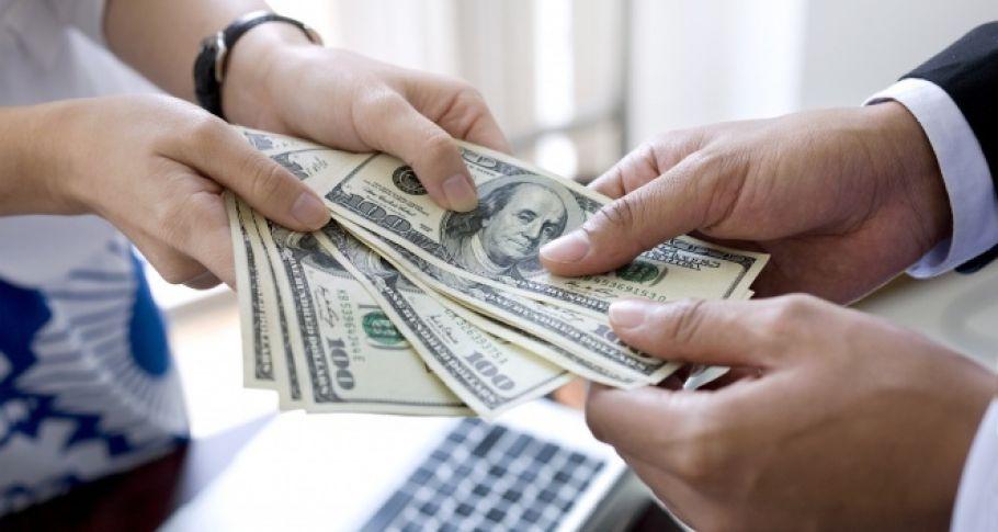 Dolar son 1 ayın en düşük seviyesine geriledi