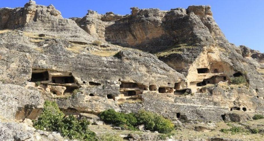 DTSO Hasuni Mağaralarının UNESCO Dünya Mirası Geçici Listesine alınması için çalışma başlattı