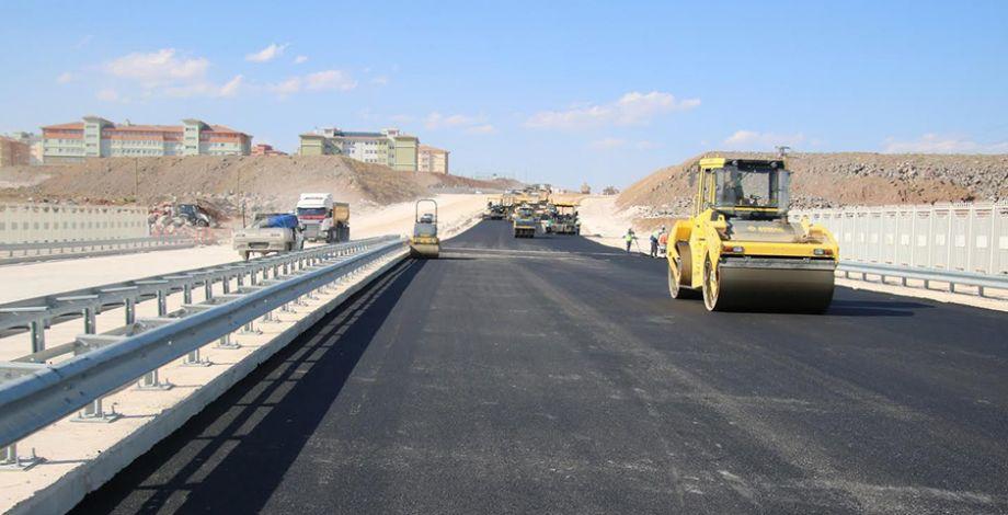 Eğitim Kampüsüne giden yollar asfaltlanıyor