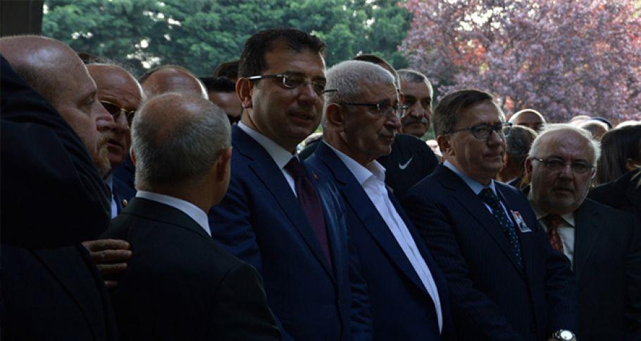 Ekrem İmamoğlu Turgut Özal'ın anma törenine katıldı