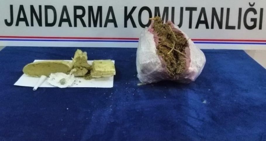 Elazığ'da esrar ve Metamfetamin elegeçirildi: 5 gözaltı