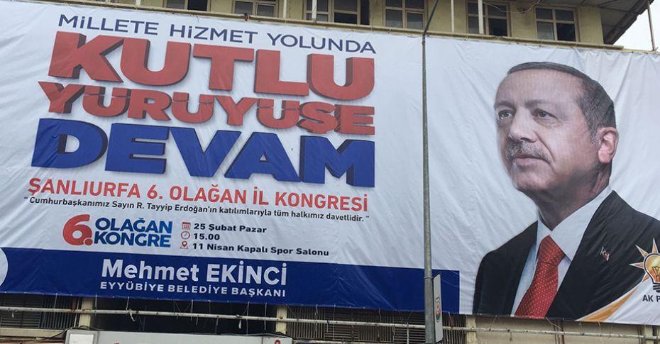 Erdoğan afişleri kentin birçok noktasına asıldı