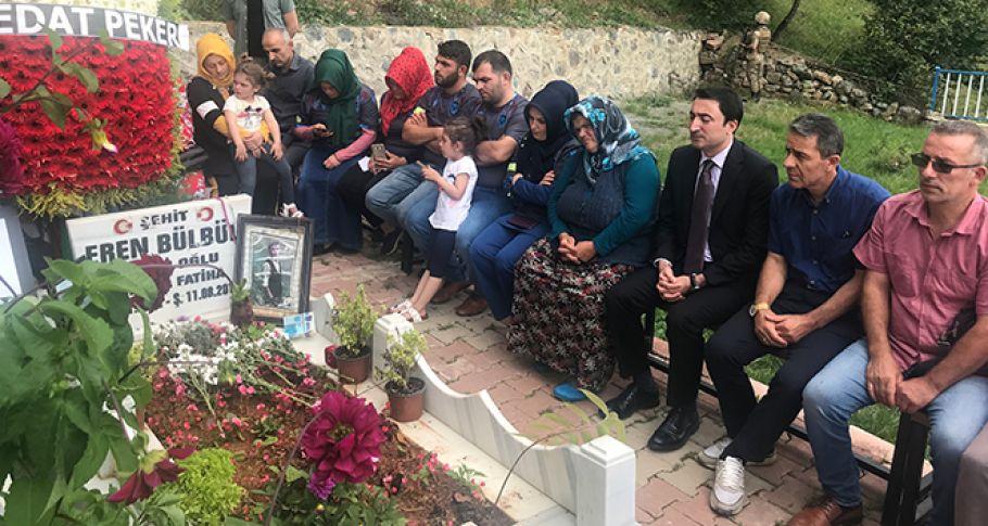 Eren Bülbül ölümünün 2. yıldönümünde mezarı başında dualarla anıldı