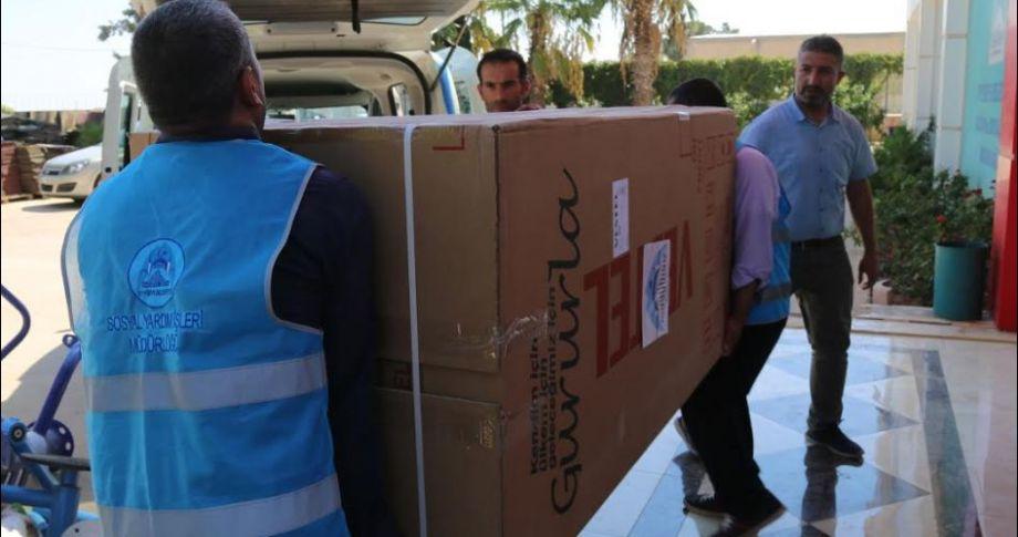 Eyyübiye belediyesi birçok aileye yardım ediyor