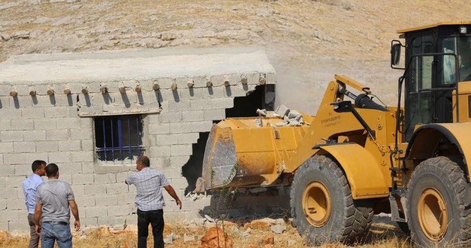 Eyyübiye Belediyesi,Nemrut'un Tahtının Etrafındaki Kaçak Yapıları Yıktı