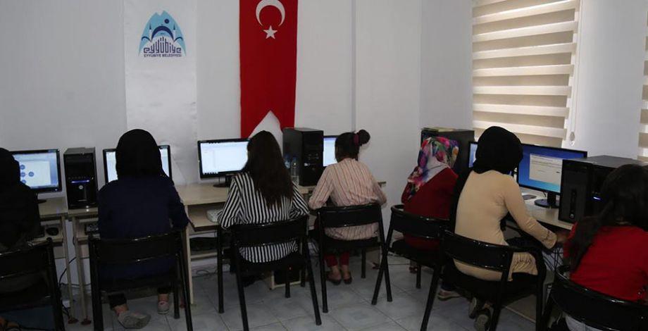 Eyyübiye'de Kadın Destek Merkezine yoğun ilgi