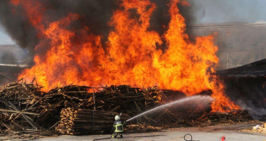 Fabrikada büyük yangın