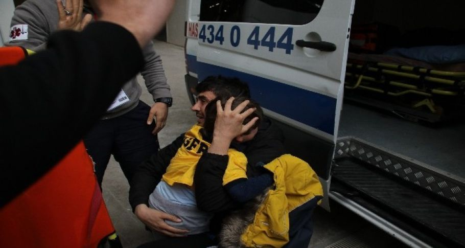 Fenerbahçe maçında çıkan arbede de küçük çocuk şoka girdi