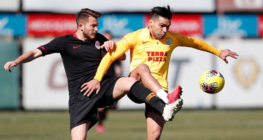 Galatasaray'da Falcao takımla çalıştı