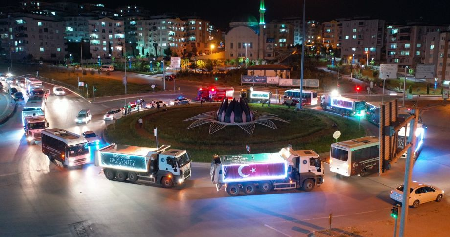 Gaziantep Büyükşehir, Gazi Şehirlilerle 19 Mayıs'ı Şehrin Dört Bir Yanında Kutladı