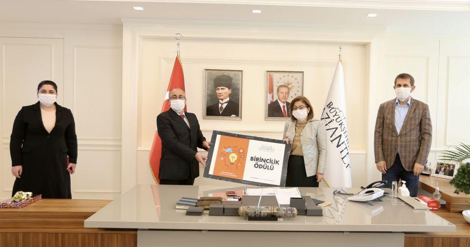 Gaziantep Büyükşehir Personellerinin Fikirlerini Destekliyor