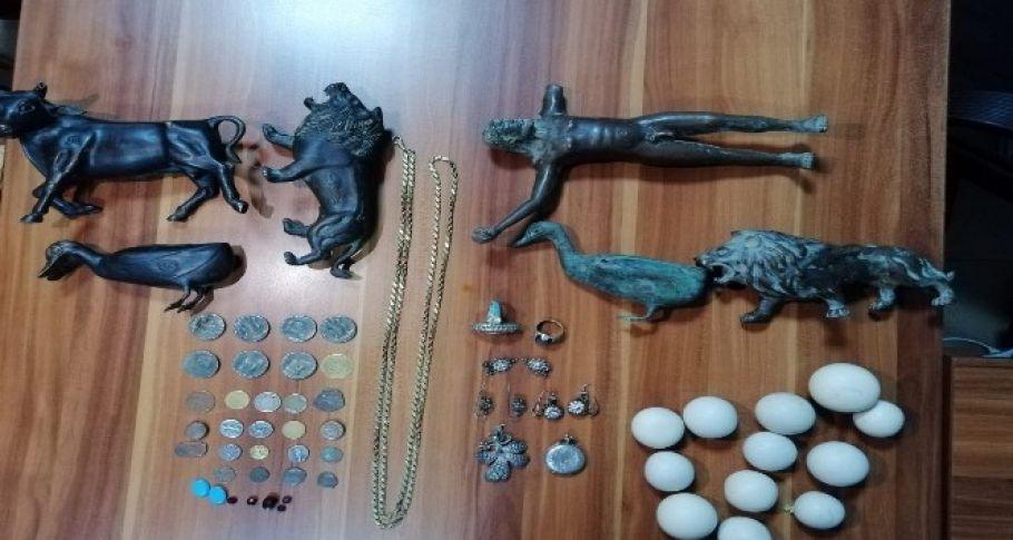 Güven Timleri tarihi eser kaçakçısını kıskıvrak yakaladı