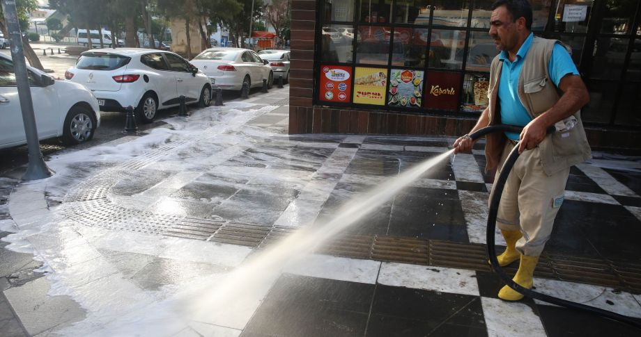 Haliliye Belediyesinden İlaçlama Ve Temizlik Çalışması (videolu)