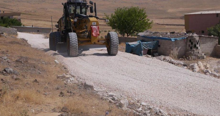 Haliliye Belediyesinden  kırsal alanlarda yol yapım çalışmaları hız kazandı