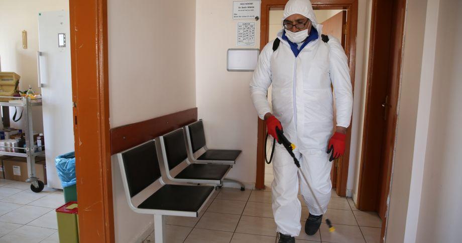 Haliliye'deki aile sağlığı merkezleri dezenfekte ediliyor (videolu)