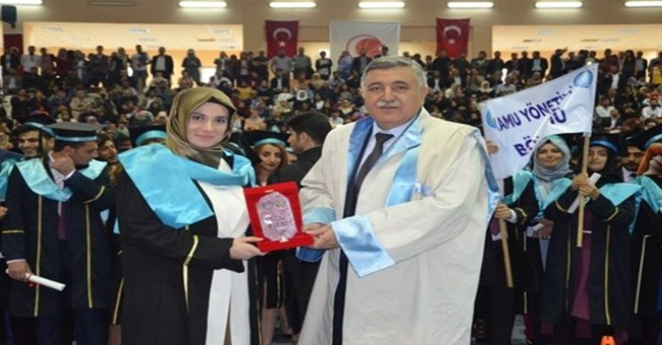 Harran Üniversitesinde mezuniyet sevinci