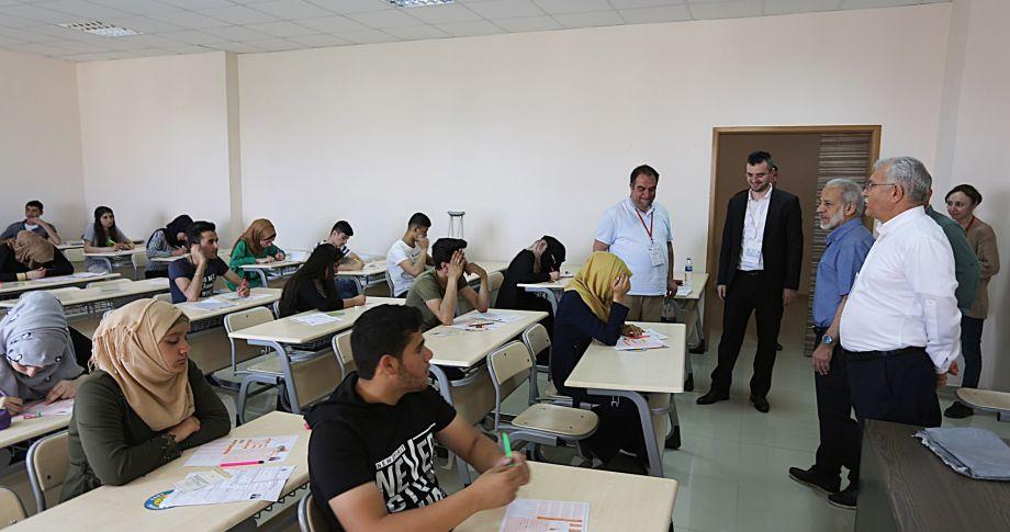 Harran Üniversitesi'nde Yabancı Uyruklu Öğrenci Sınavı (YÖS) yapıldı(videolu)