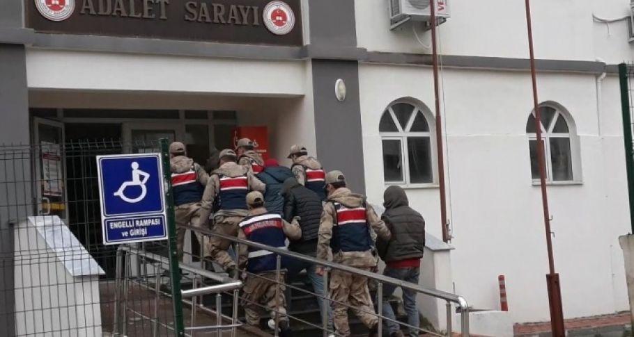 Hatay Sınırında 8 İnsan Kaçakçısı Adliyede