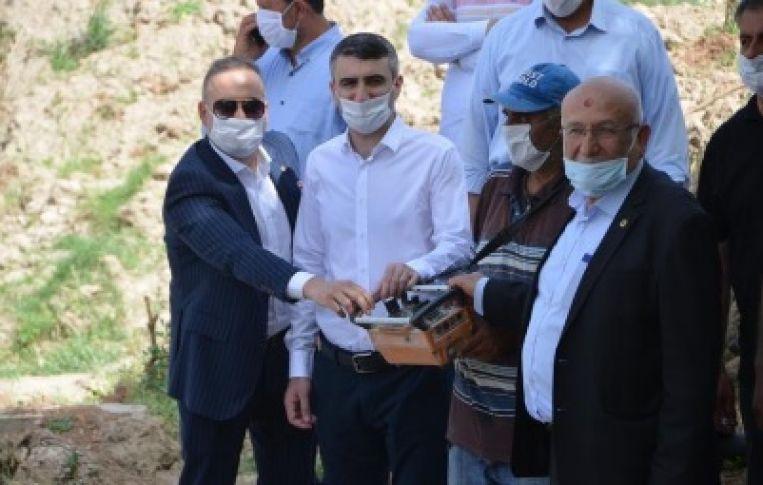 Hayırsever iş adamı Sadettin Bilgin Cami Külliye inşaatının temel atma törenini gerçekleştirdi
