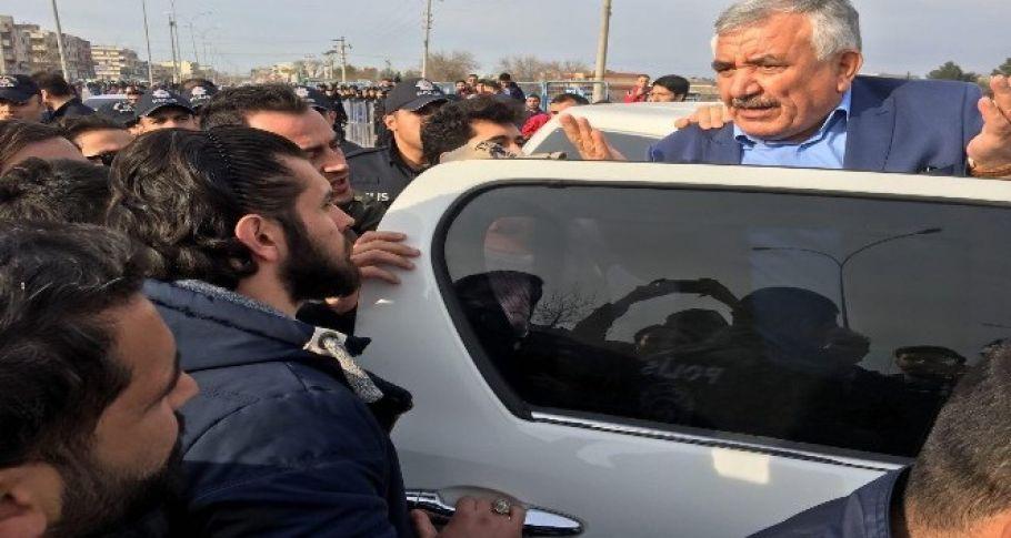 HDP'li eski belediye başkanı Şanlıurfa'da gözaltına alındı