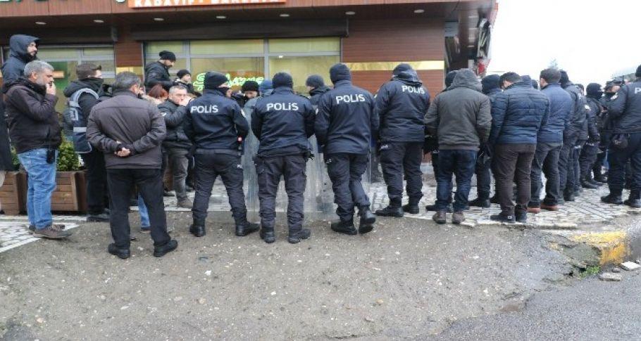 HDP'li Vekillerin Yürüyüşüne Polis Engeli