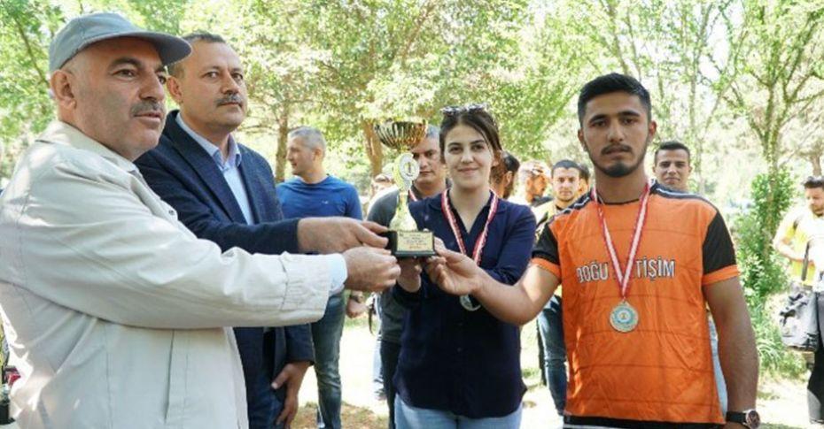 HRÜ'de düzenlenen geleneksel futbol turnuvası sona erdi