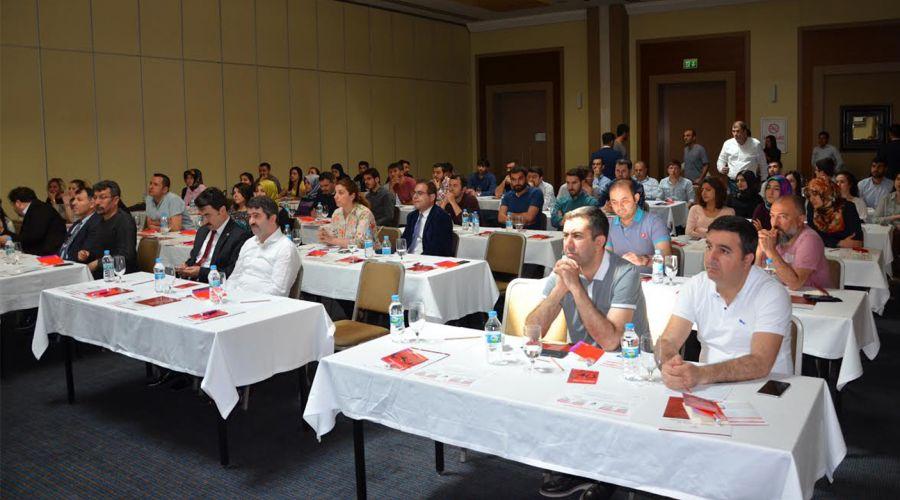 HRÜ'de Kadın Doğum Günleri Bilimsel Kurs Çalıştayı