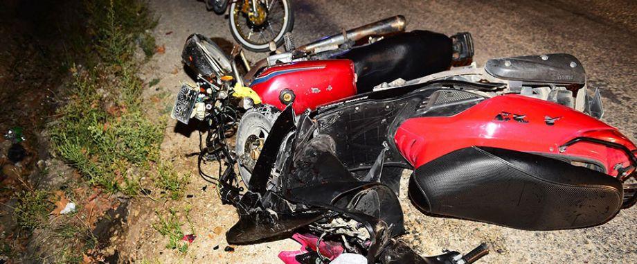 İki motosiklet çarpıştı! 3 yaralı