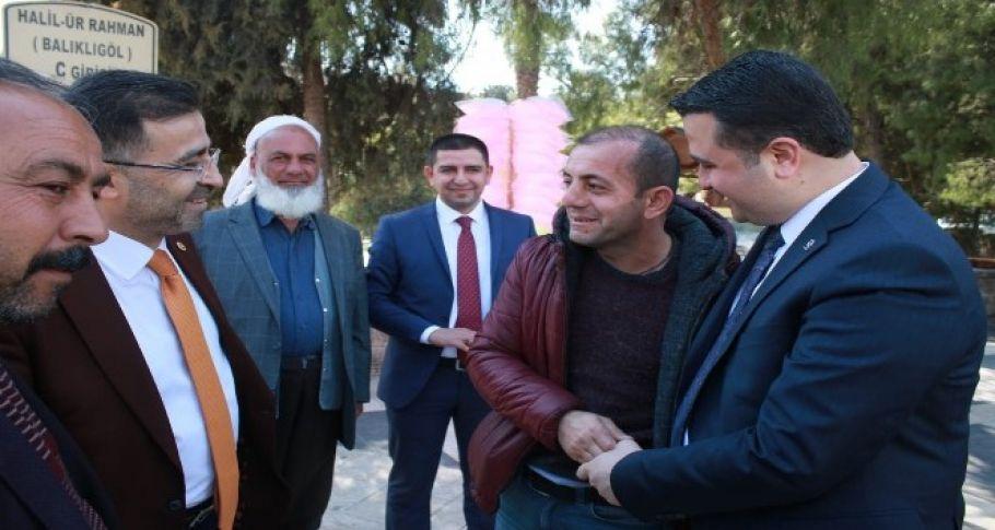 İl Başkanı Yıldız misafiri ile esnaf ziyaretinde