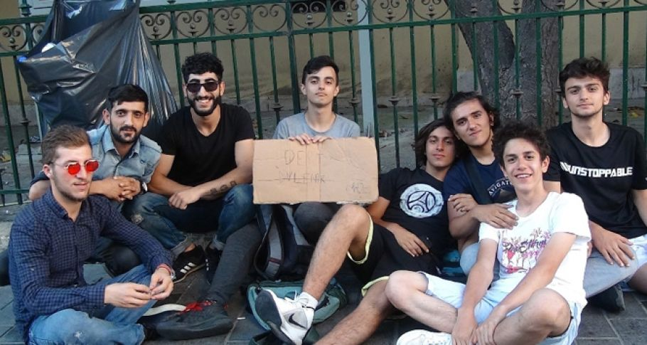 İstiklal Caddesi'nde '1 lira'ya dert dinleme' hizmeti