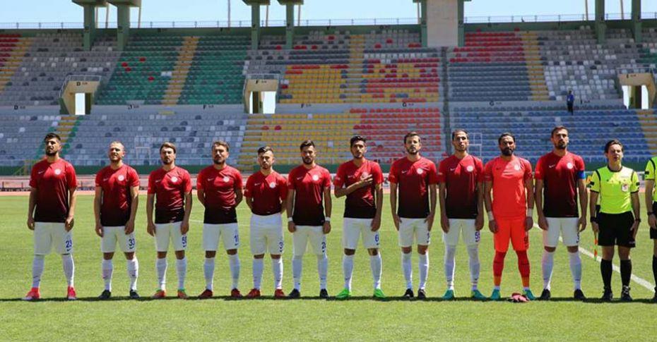 Karaköprü Belediyespor, Sultanbeyli Belediyespor'u 3-1 mağlup etti