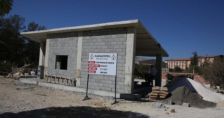 Karaköprü merkez mahallelerde muhtar evi yapım çalışması