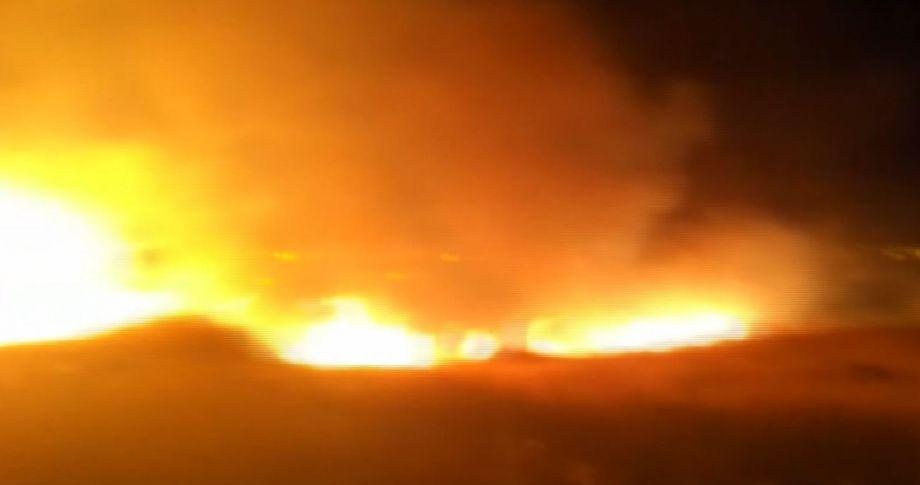 Karaköprü'de anız yangını korkuttu