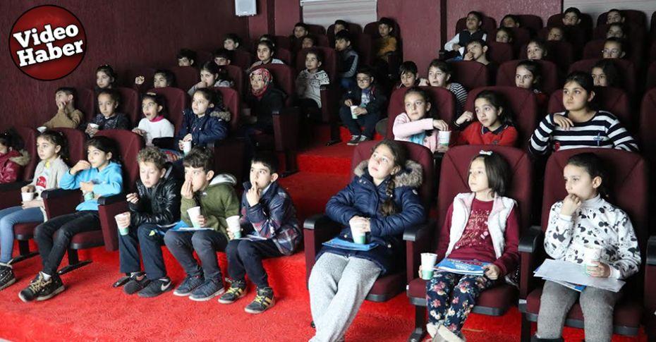 Karaköprü'de Çocuk Hakları Film Festivali düzenlendi