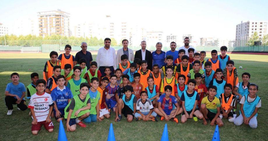 Karaköprü'de Geleceğin Futbolcuları Yetişiyor