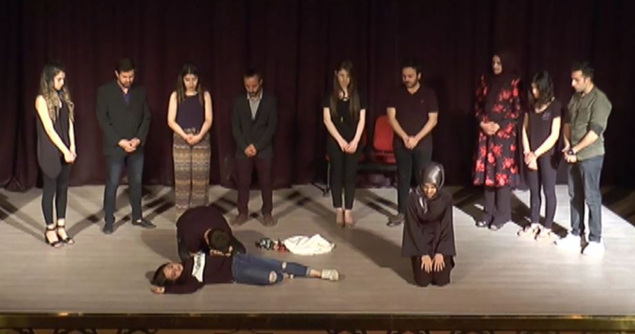 """""""Kayıp Hayatlar'' Tiyatro Gösterimi(Videolu)"""