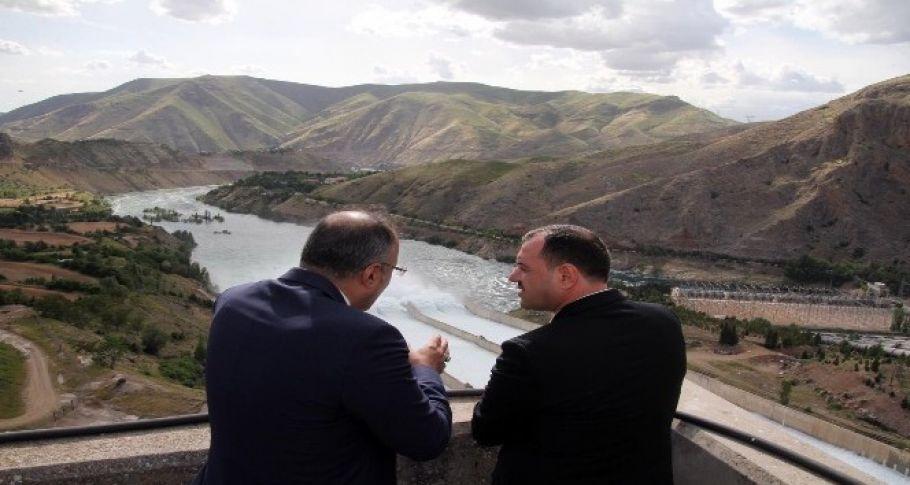 Keban Barajı, 6 milyar kilovat saat elektrik üretiyor