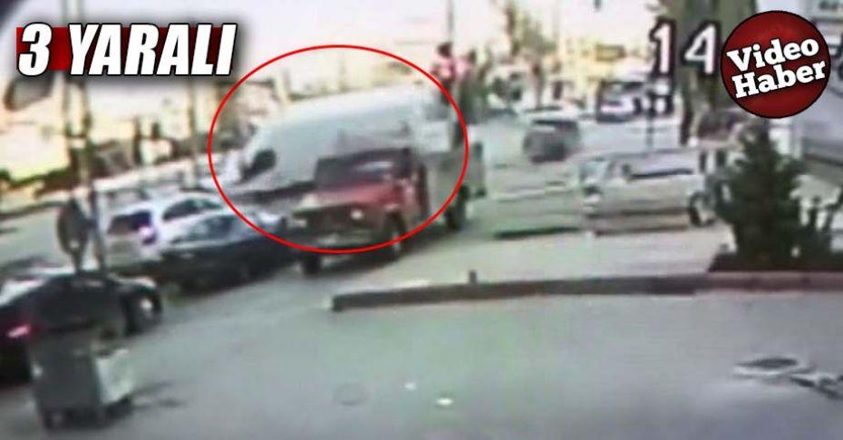 Kırmızı ışık ihlali yapan minibüs otomobille çarpıştı