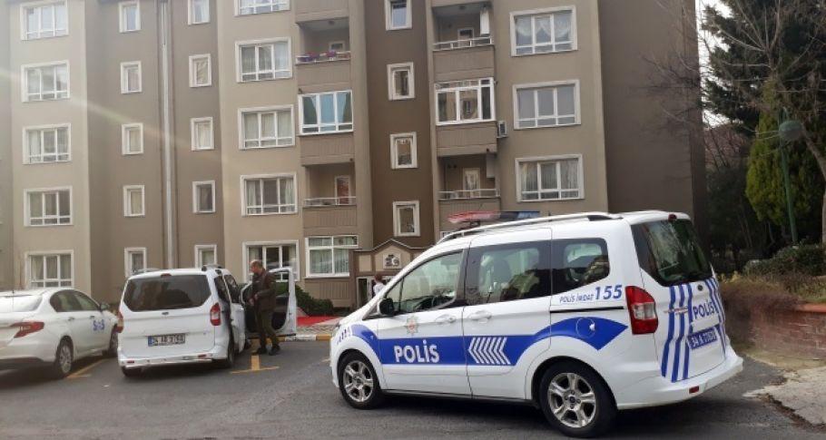 Küçükçekmece'de bir kişi kendi evinde silahla vuruldu