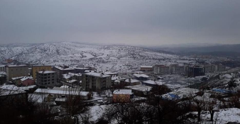 Kulp yeni güne karla uyandı
