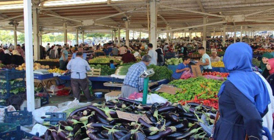 Kurban Bayramı sonrası semt pazarlarına yoğun ilgi