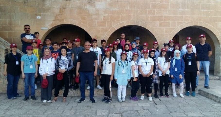 Kuzeyin çocukları Gaziantep'in ve Şanlıurfa'nın tarihi ve turistlik yerlerini gezdi