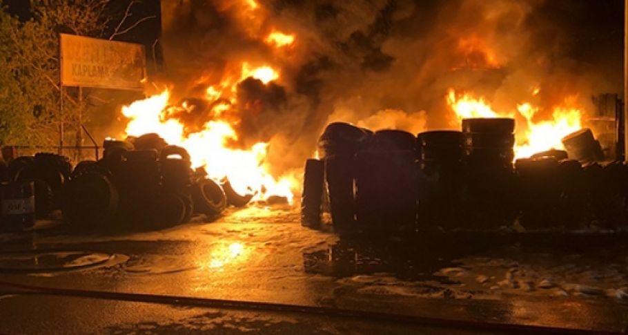 Lastikçiler sitesinde yangın: 4 dükkan kül oldu