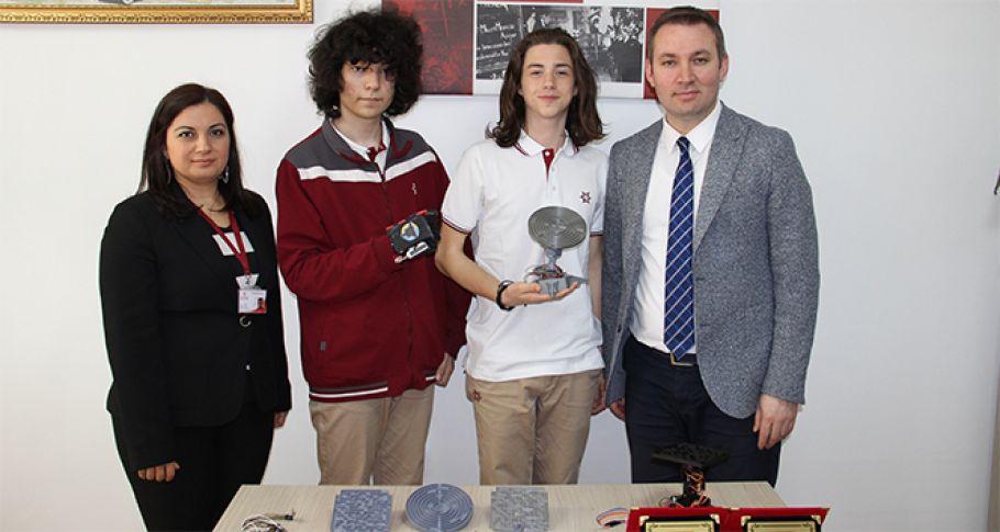 Lise öğrencilerinden fizik tedavisini kolaylaştıran proje