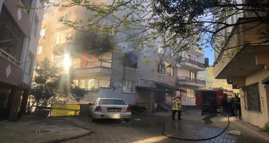 Mangal yakarken evini yaktı