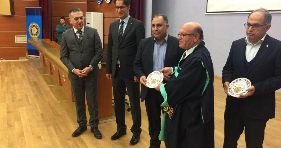 Edessa Tv Yönetim Kurulu Başkanı Mehmet Ali Savaş'a Plaket