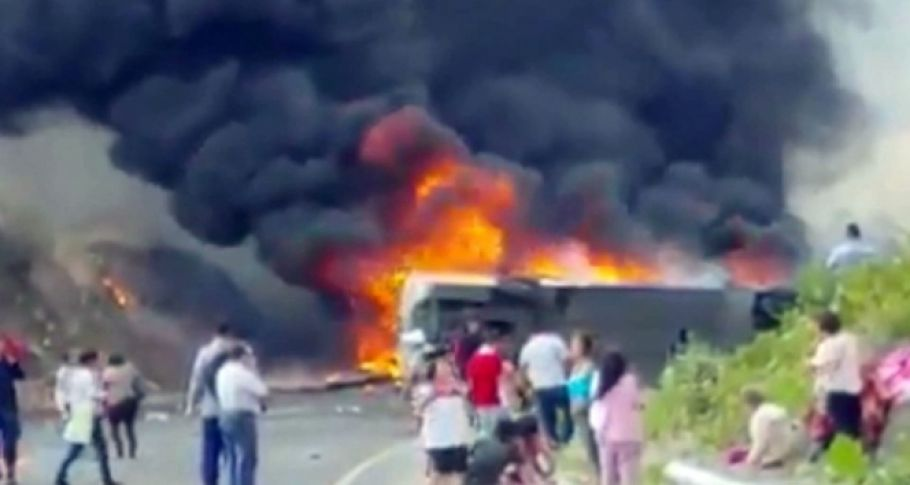Meksika'da feci kaza: 23 ölü