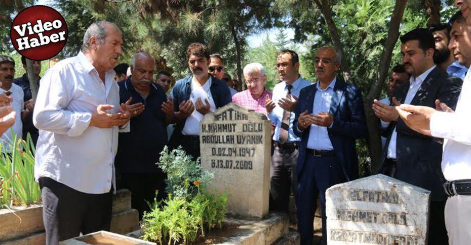 Merhum sanatçı mezarı başında anıldı