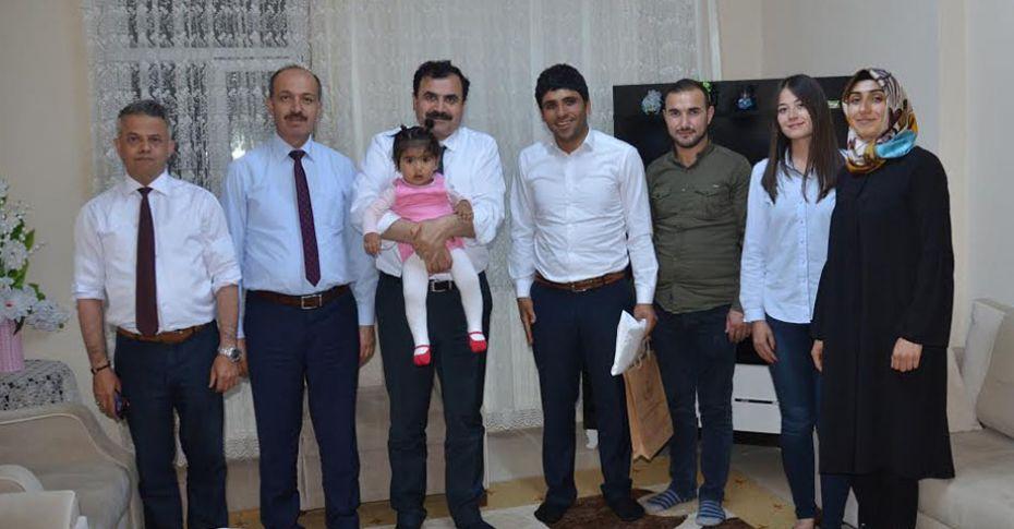 Milli Eğitim Müdürü Turan, köy okullarını ziyaret ediyor