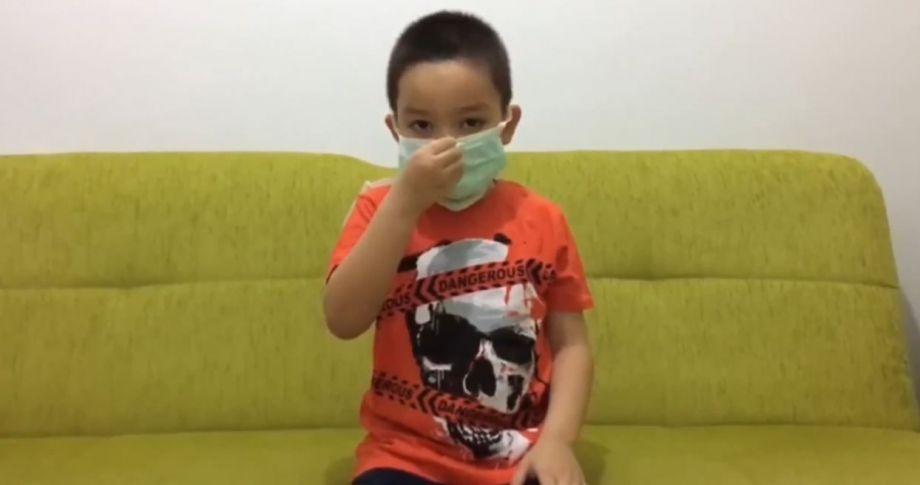 Miniklerden maskeni tak uyarısı (videolu)